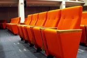 prostar kinositze mit tisch polsterung